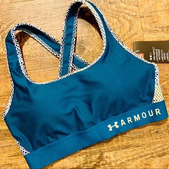 Under Armour Handbags - UNDER ARMOUR Mid Crossback Print Sports Bra